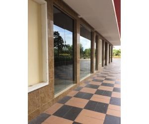 Chuyên lắp đặt cửa kính cường lực , vách ngăn văn phòng , vách ngăn phòng tăm tại quận phú nhuận Tp.HCM